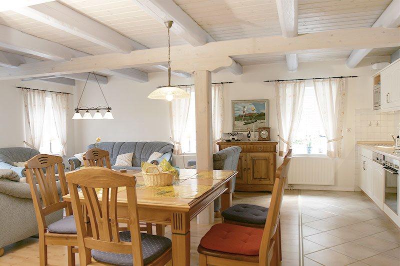 Wohnzimmer mit offener kuche grose wandern mit hund auf gran canaria und ferien machen einer - Grose wohnzimmer wandgestaltung ...